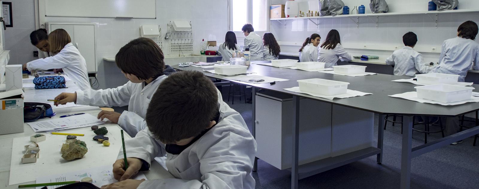 Una ESO per experimentar la ciència